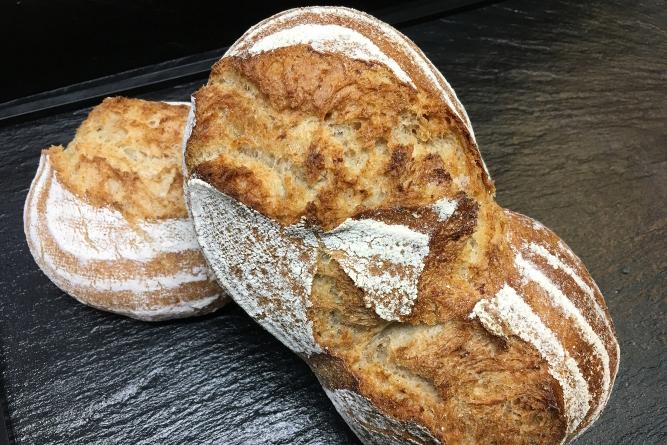 Rubinola UrDinkel Brot   Cafe Koller AG